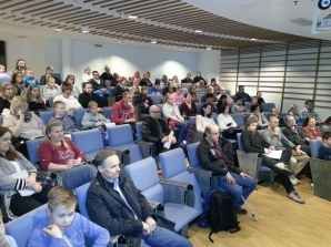 Maanantain luento pidettiin runsaslukuiselle yleisölle